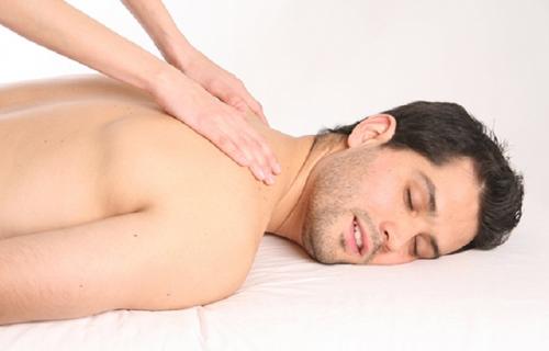 masaje-relajante-y-muscular-de-espalda
